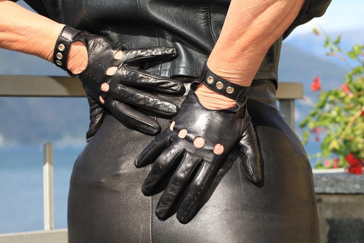 Sportliche Damen Autofahrerhandschuhe