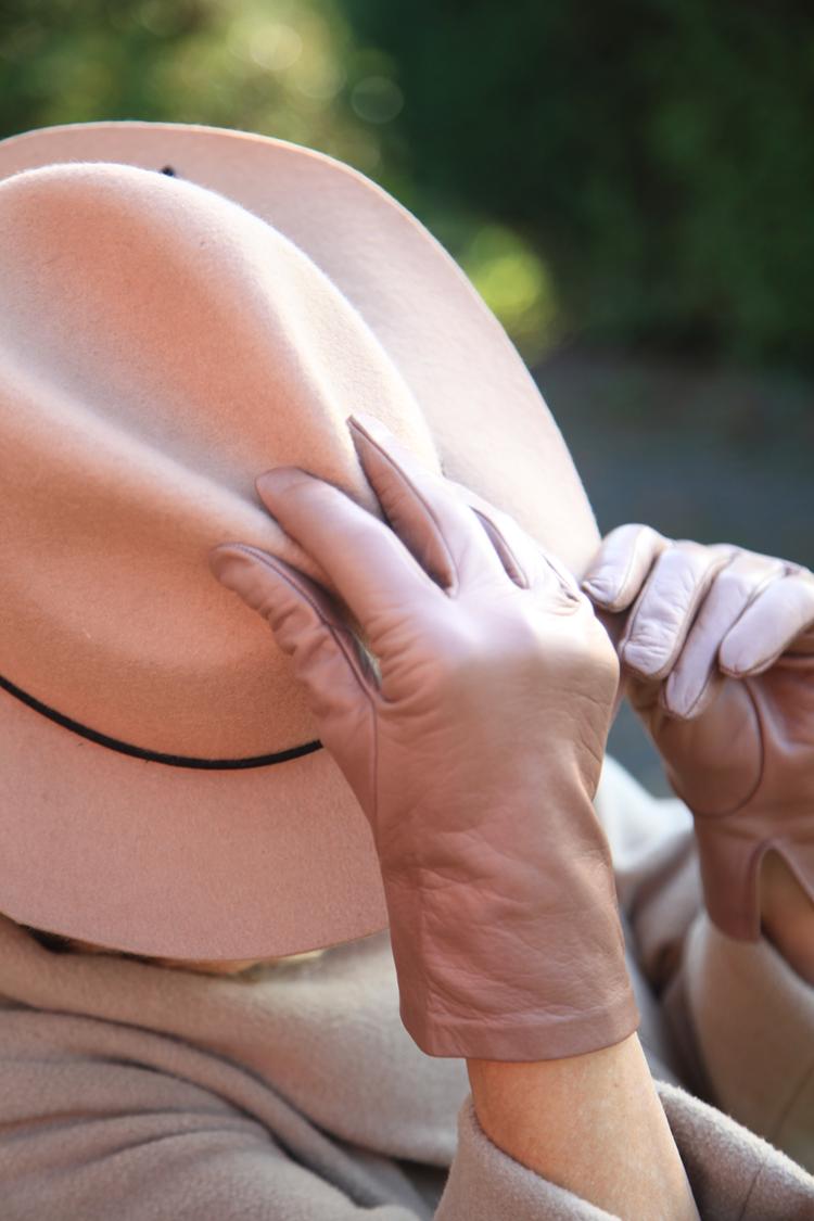 Klassische Lederhandschuhe hellbraun mit Seidenfutter